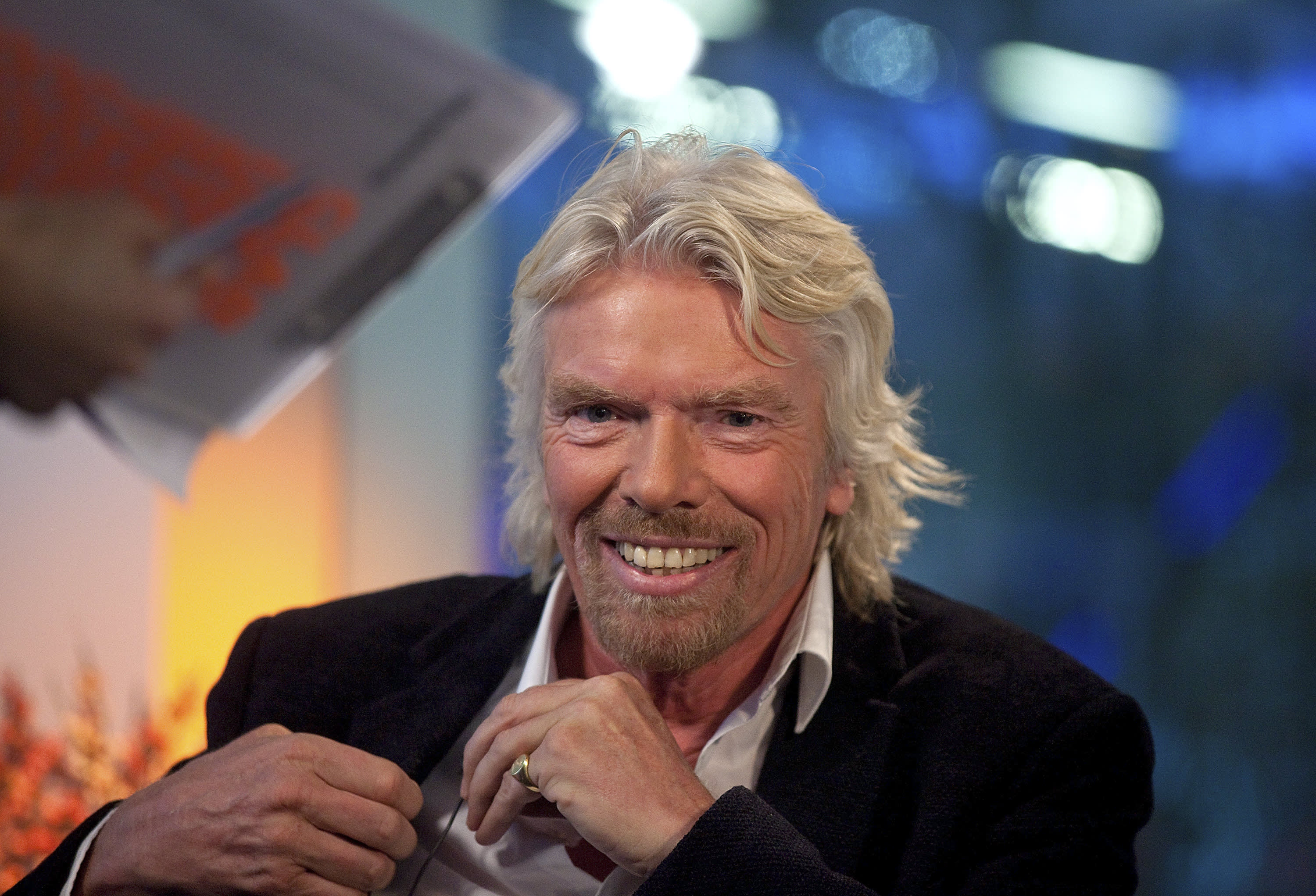 billionaire richard branson says 9to5 workdays will - HD 1910×1000