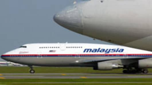 Malaysian Airline Drops 20% After Rights Issue Announcement
