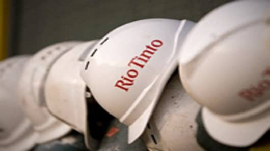 Rio Tinto to Axe Costs, Cautiously Optimistic on China Growth