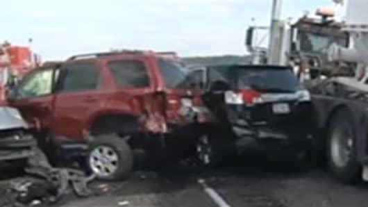 140-Car Texas Pileup Kills Two, Injures 80