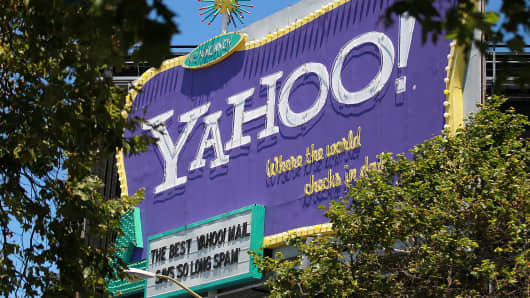 Yahoo billboard in San Francisco, CA