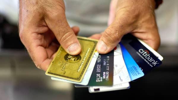 Credit card debt hits record high credit cards colourmoves