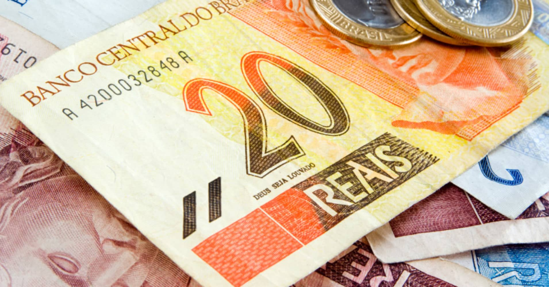 Betting on currency markets