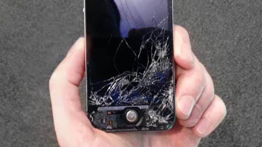 Broken iPhone 4s