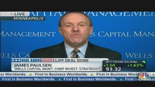 Paulsen: Bonds Will Take a 'Hit' This Year