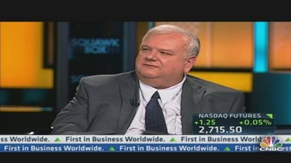 Lindsey: Half of Bank Revenues Fee Based