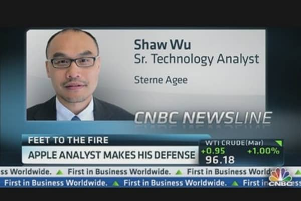 Apple Analyst Makes His Defense