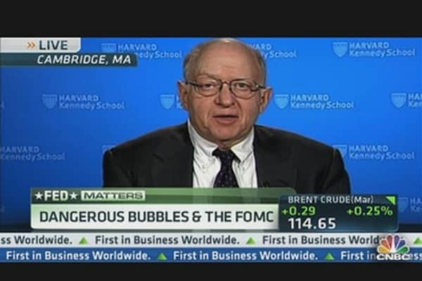 Feldstein: 'We'll Be Lucky' to Get 2% Real GDP Growth'