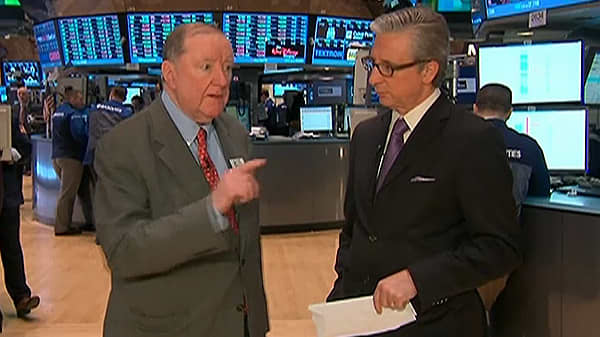 90 Seconds with Art Cashin: Why GDP Number is 'Suspect'