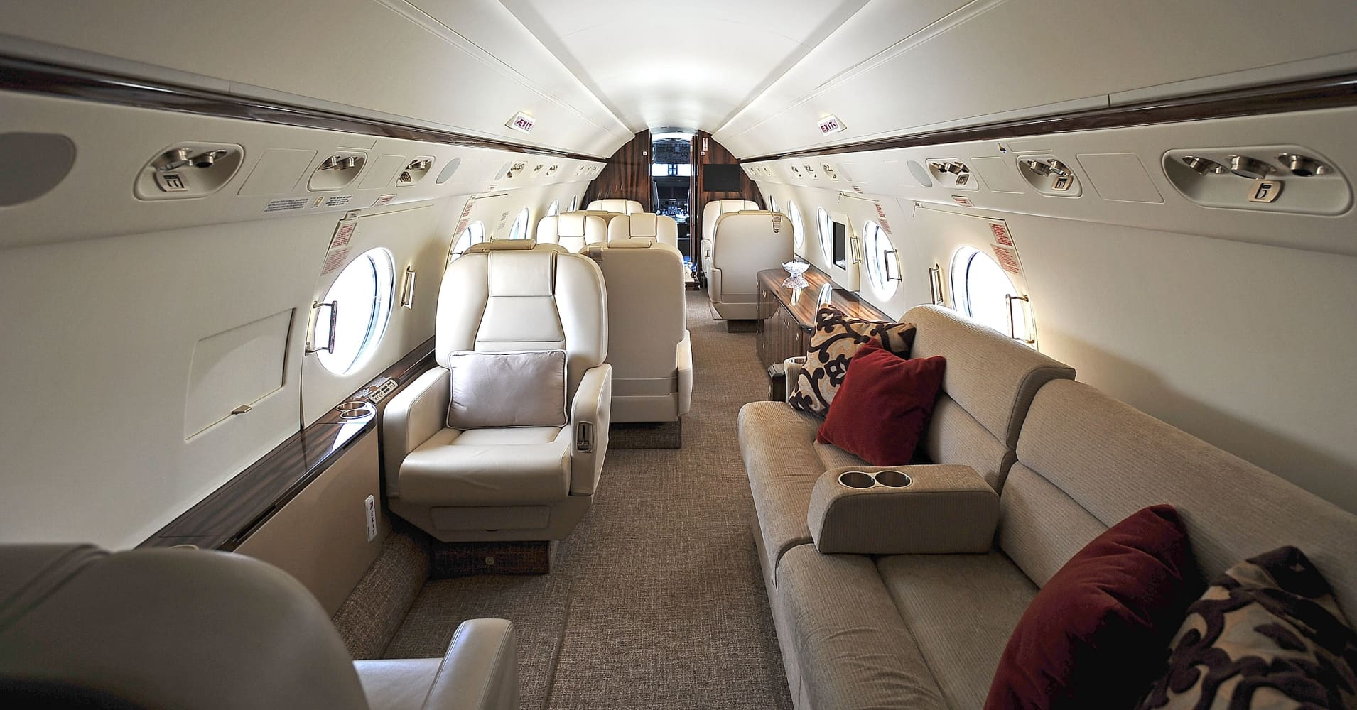 New Dogfight Between Obama and Private Jet Industry