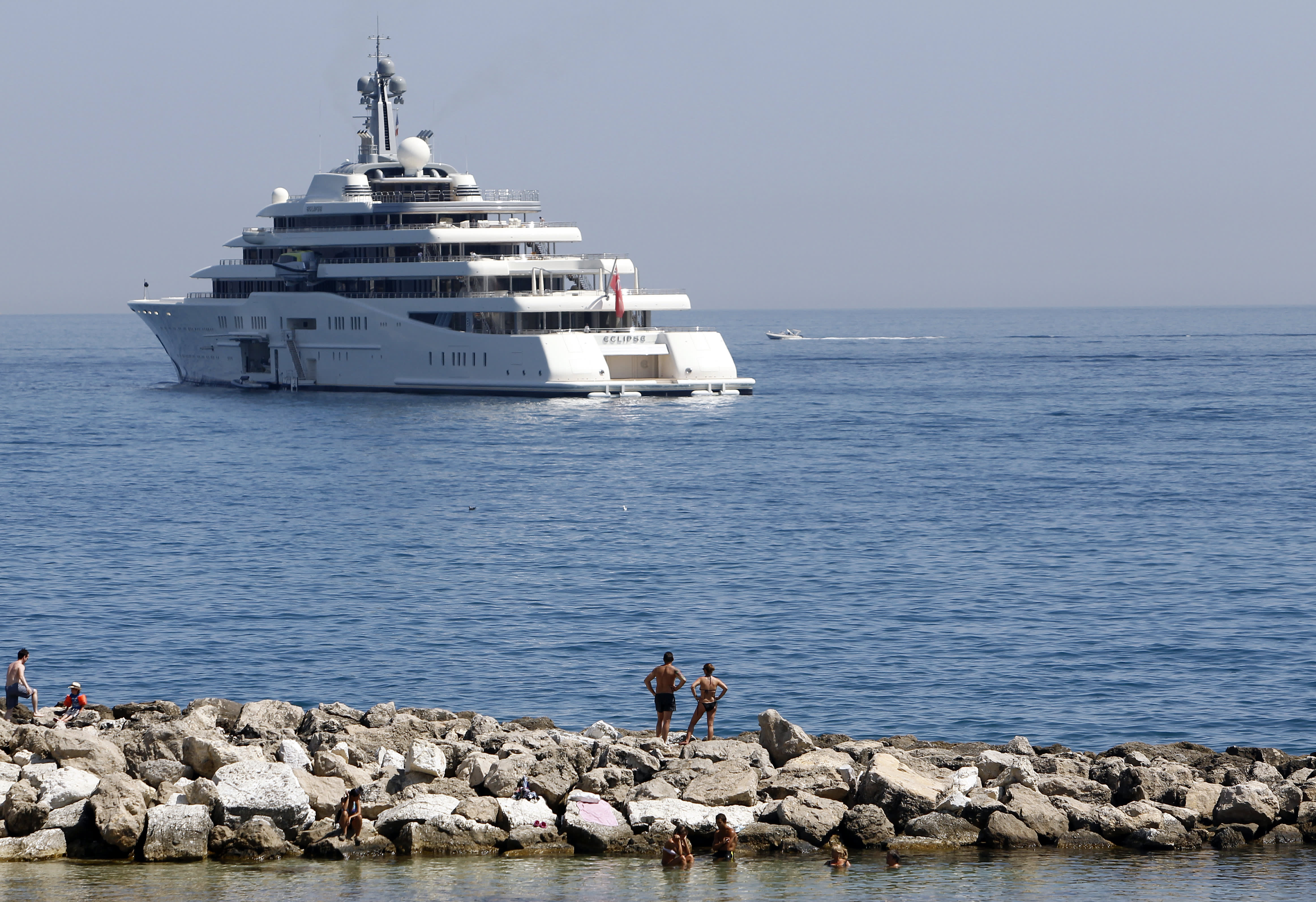 Abramovich Birth Solves Mystery Of Yacht S Berth