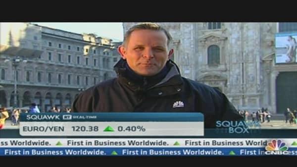 Italy's Regulators Try to Calm Market Volatility