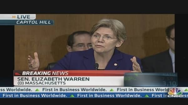 Warren: Big Banks Getting Free Insurance Policy?