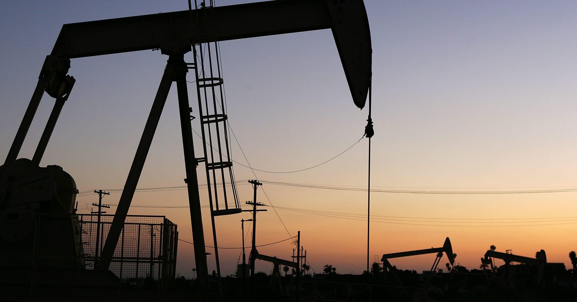 Bakken Emerges As Contender For Us Oil Drilling Crown-4463
