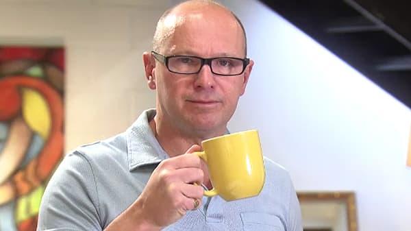 Treasure Detectives: Is this John Lennon's Mug?