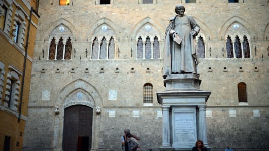 The headquarters of the Monte Dei paschi di Siena bank
