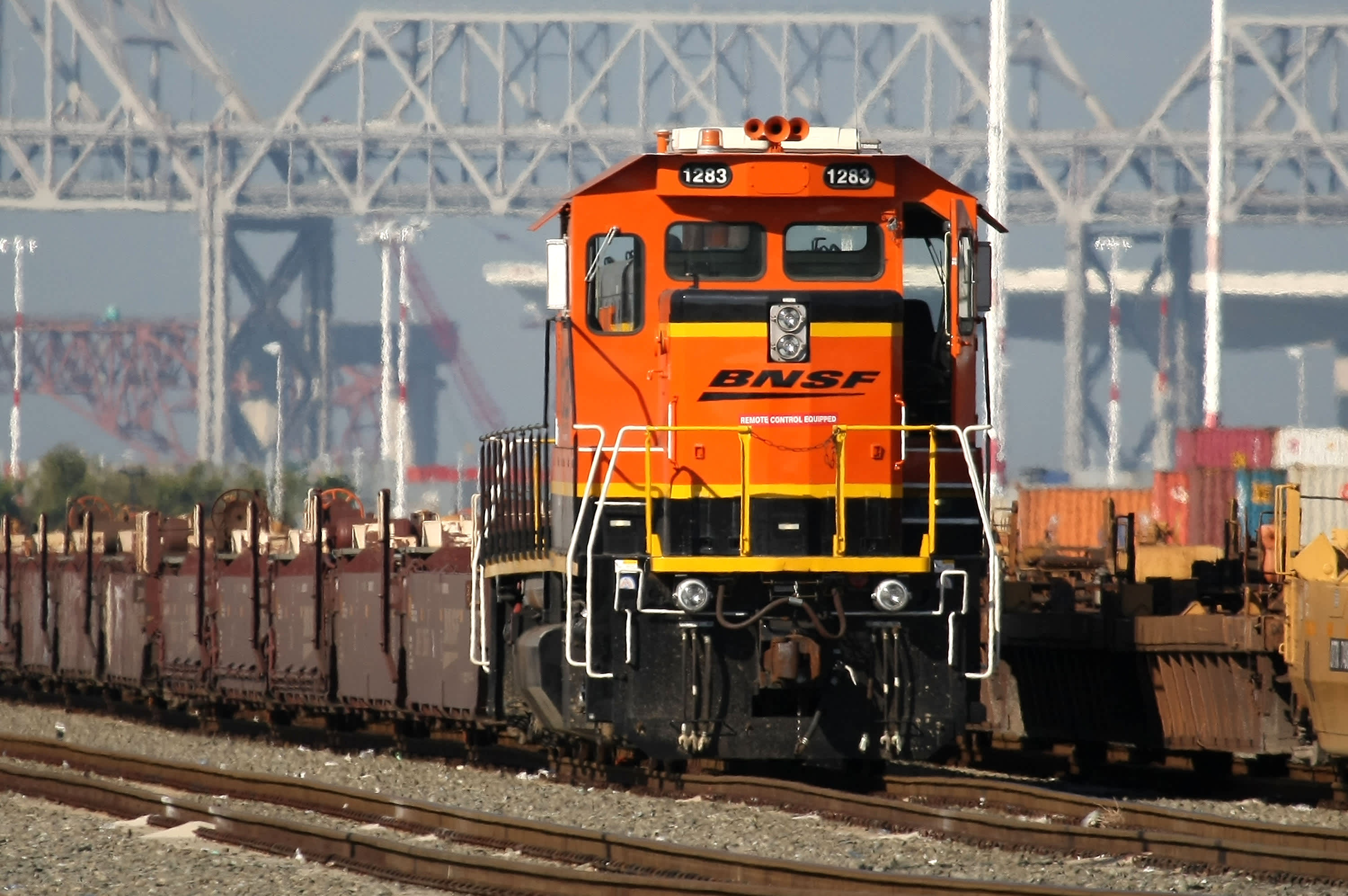 In Moving Us Oil Flexible Rail Bests Pipelines