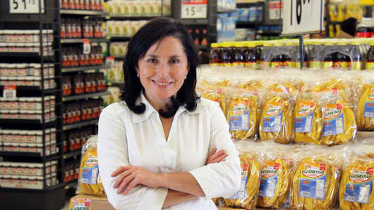Leticia started making gourmet fried plantains in her kitchen in Guatemala, and now she's a successful Walmart supplier with a growing business.