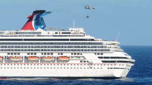 Damaged Carnival Ship Triumph Breaks Away From Alabama Dock