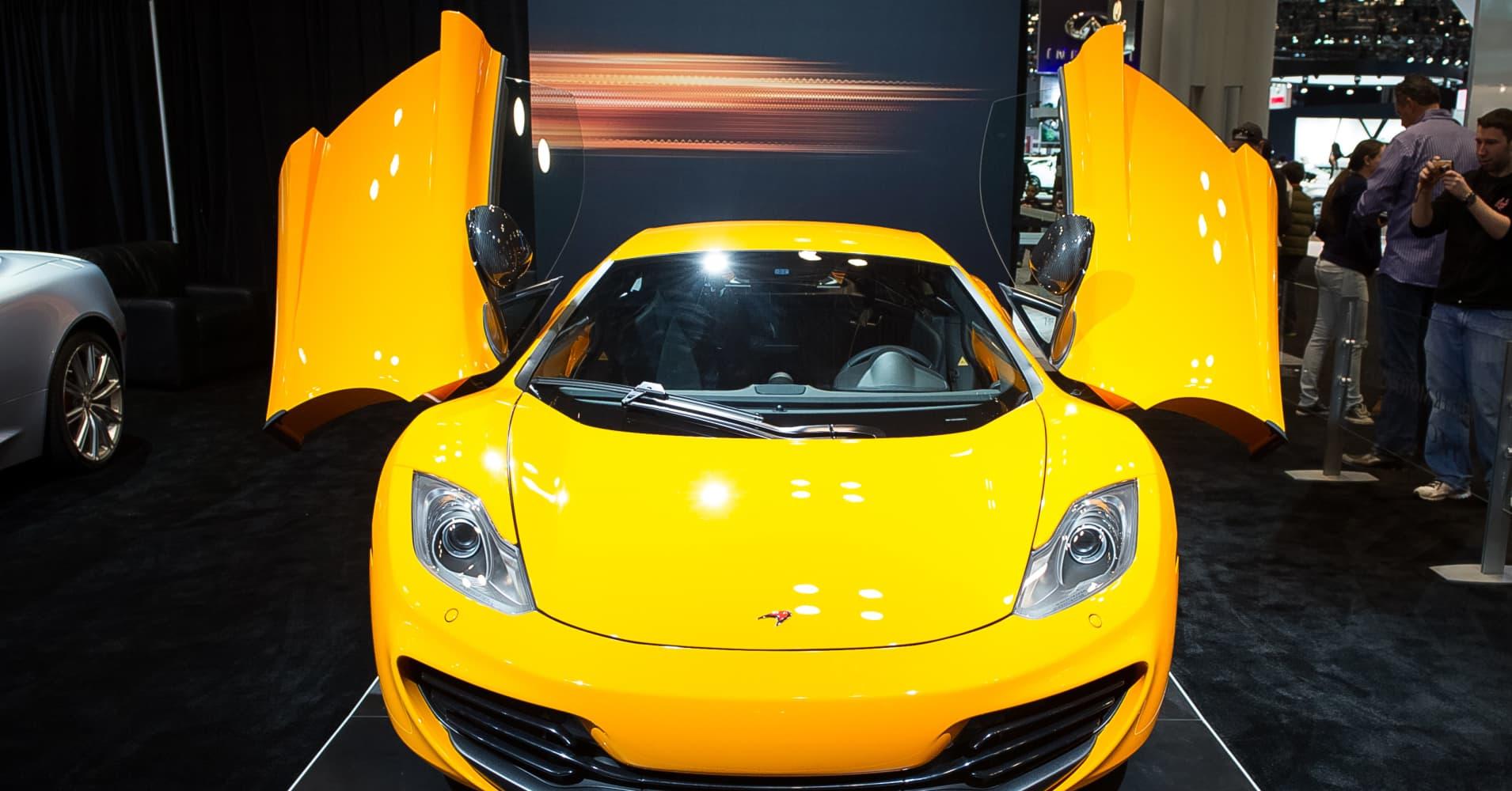 Apple in talks with luxury carmaker McLaren