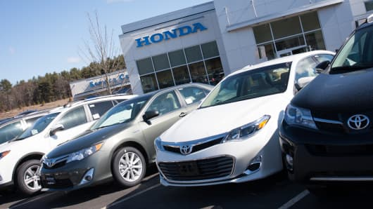 Honda dealership automobiles