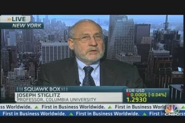 Stiglitz: Kuroda's Move May Reduce Japan's Debt