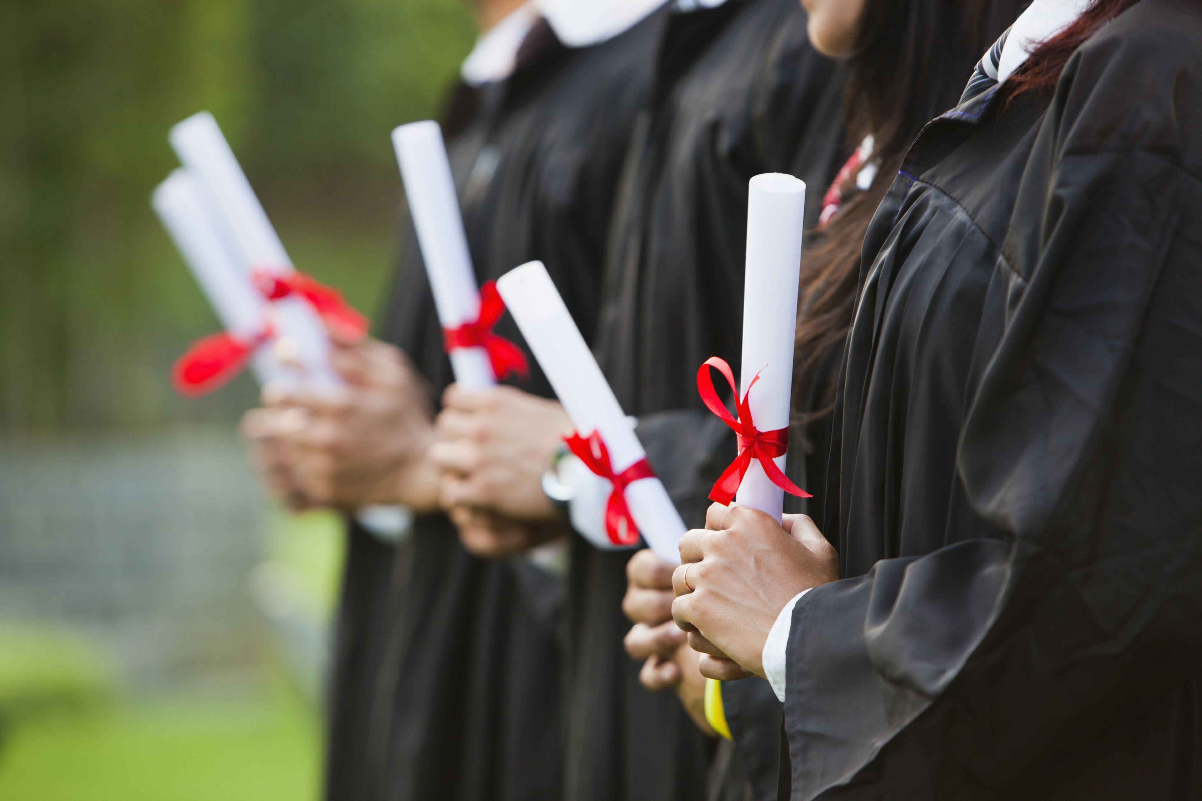 Todays Advice To Graduates No Selfies - Noselfies 9 places where selfies are banned
