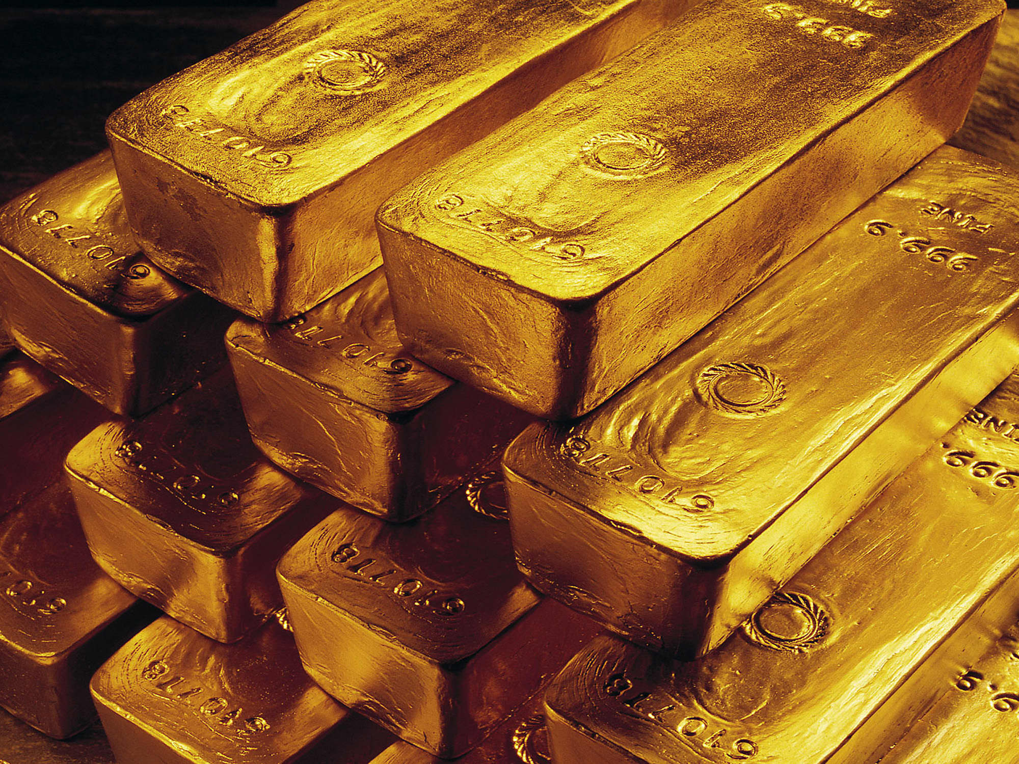 Gold gains on possible delays in us tax cut plan buycottarizona