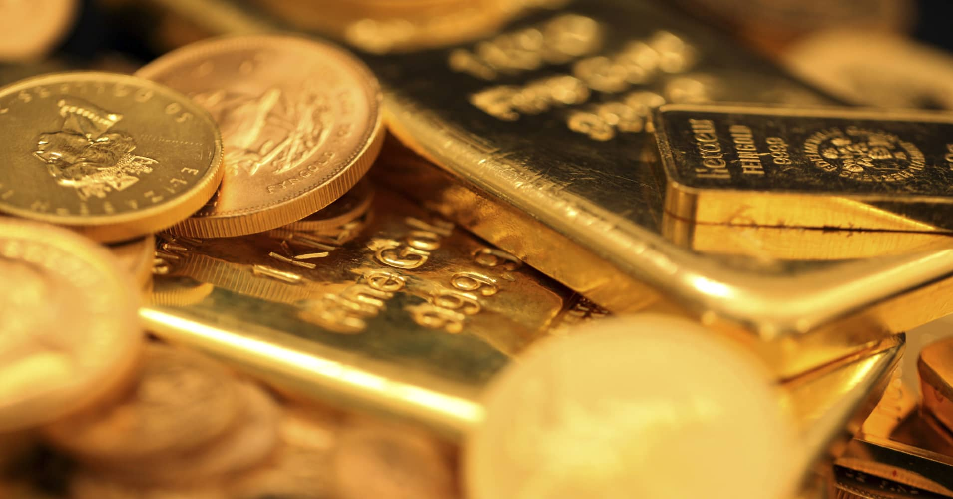 Physical Gold Might Be The Best Hedge Against Global Uncertainties But It S All About How You
