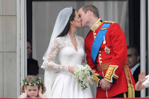 Outrageous Weddings - Prince Charles Kate Middleton