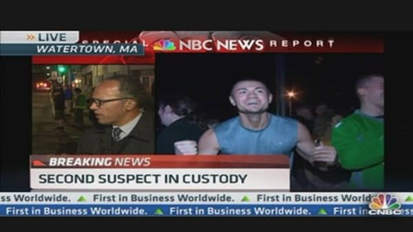 Crowds Cheer Police After Suspect Captured