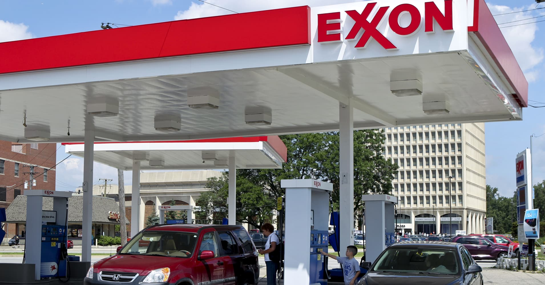 Ouch exxon posts big miss shell takes massive shale charge exxon posts big miss shell takes massive shale charge buycottarizona Gallery