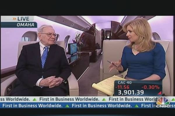 Buffett on Wealth Effect Fueling Private Jet Travel