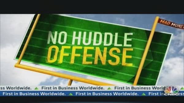 No Huddle Offense: Newsworthy = Investment Worthy?