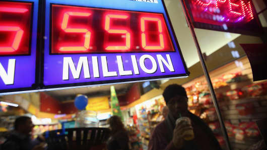 The Powerball lottery reaches to $550 million jackpot.