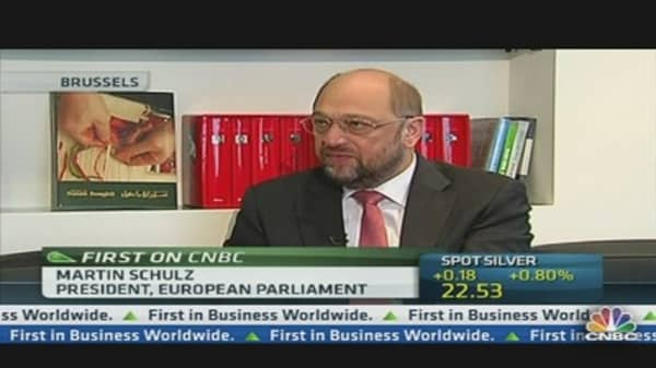 Bonus Limits Won't Reduce Competitiveness: Schulz
