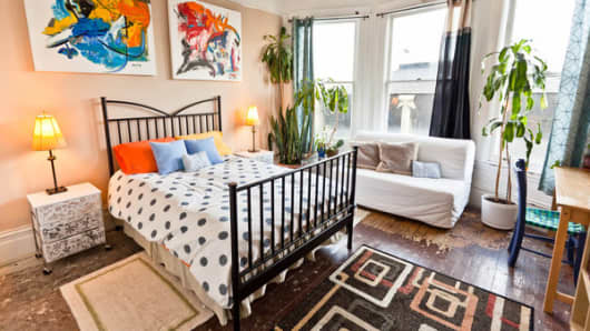 An available short-term rental in San Francisco, listed on Aribnb.