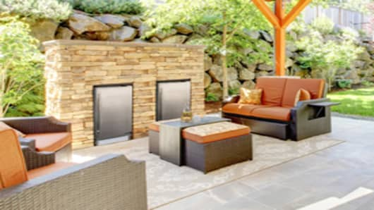 Outdoor entertaining area installation