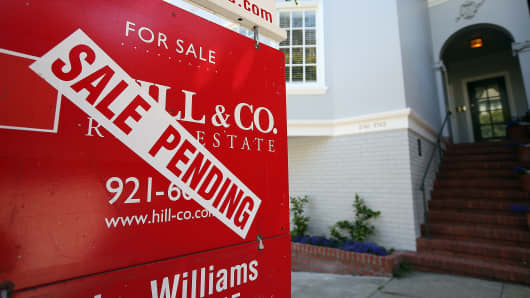 A sale pending sign is posted in front of a home for sale in San Francisco, California.