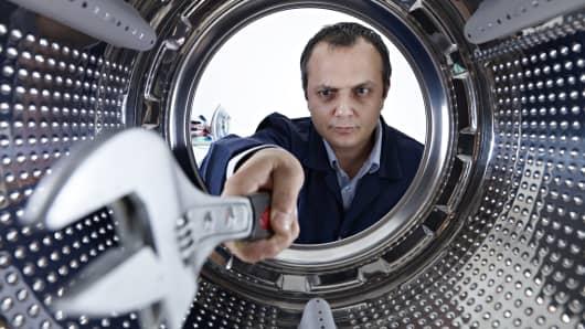 Appliance repair technician