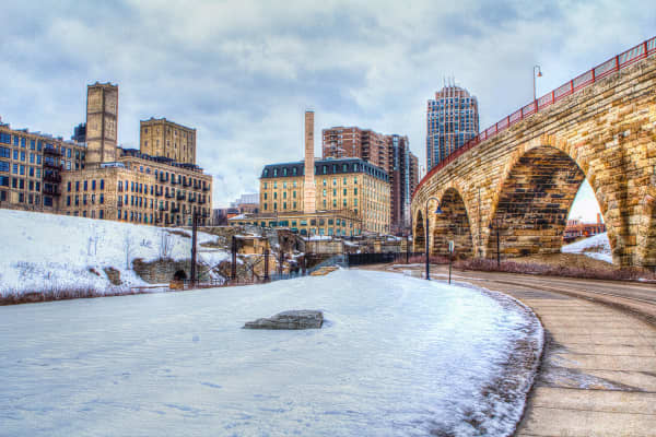 The Stone Arch Bridge crossing Mississippi River at Saint Anthony Falls in Minneapolis, MN
