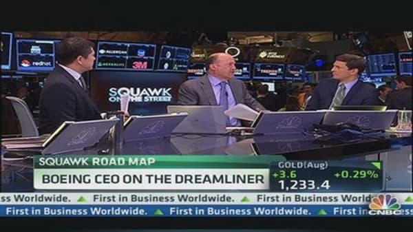 Boeing Delivers First 787 Dreamliner
