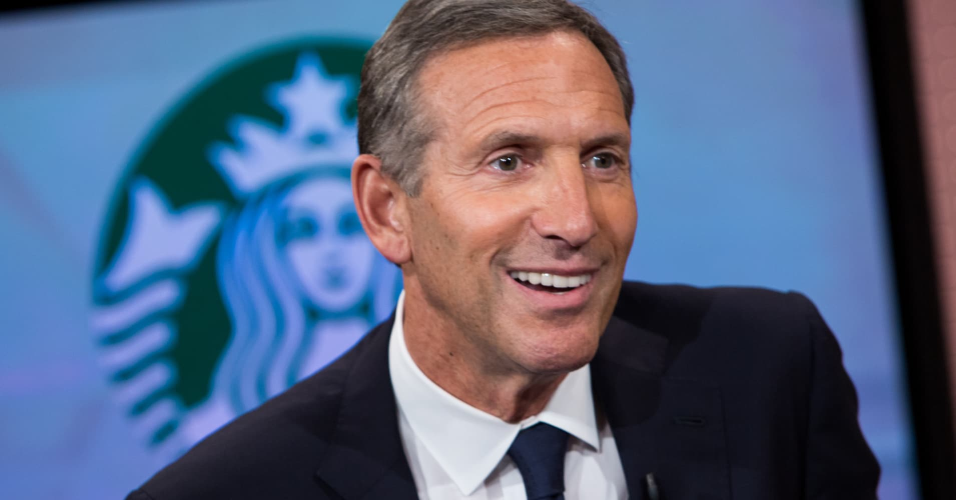 howard schlutz as a leader A year after handing over the reins to new ceo kevin johnson, long-time  starbucks leader howard schultz is stepping down from his role of.