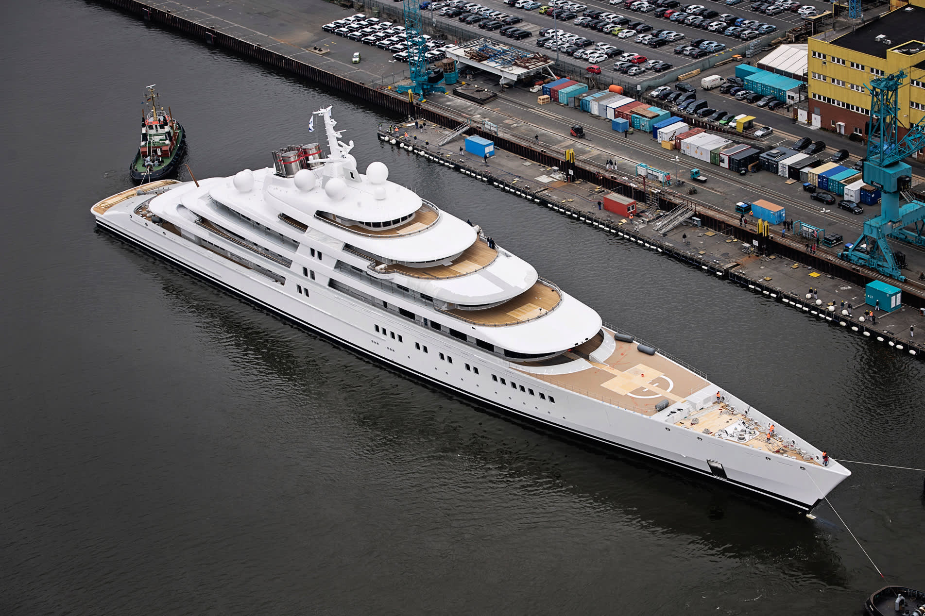 World S Largest Superyacht Is Now Also The Fastest