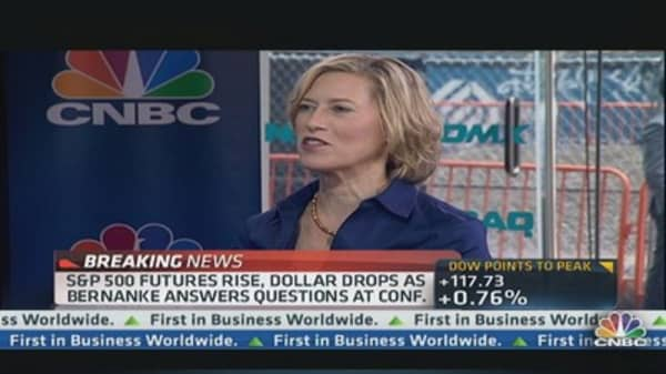 2 'Buy' Stocks on Rising Rates: Pro