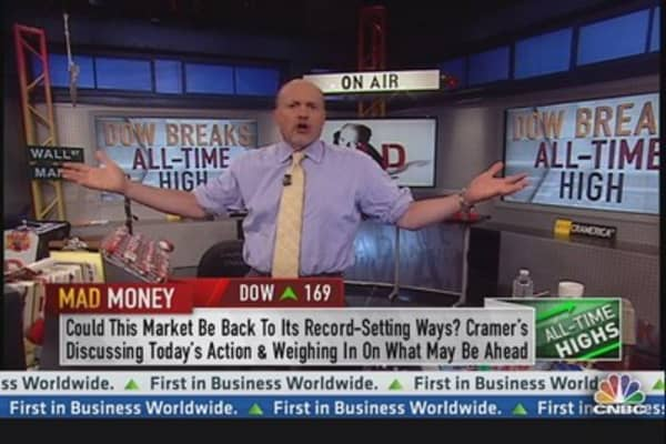 Cramer: Invest Like It's a War