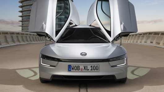First drive: 261 mpg Volkswagen XL1