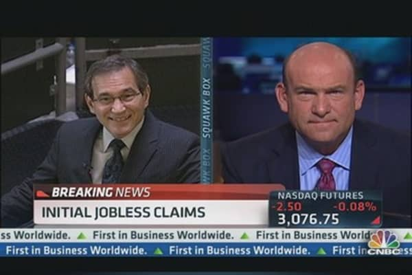 Initial jobless claims down 24K to 334,000
