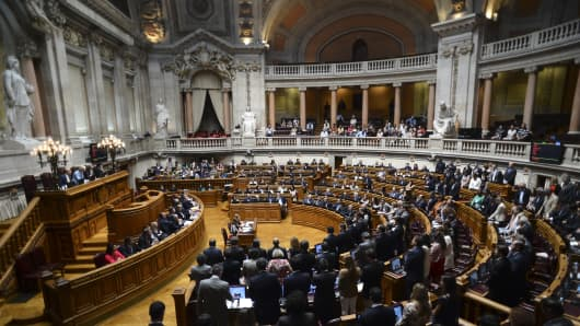 Portugal's parliament votes during a non confidence bid on Thursday.