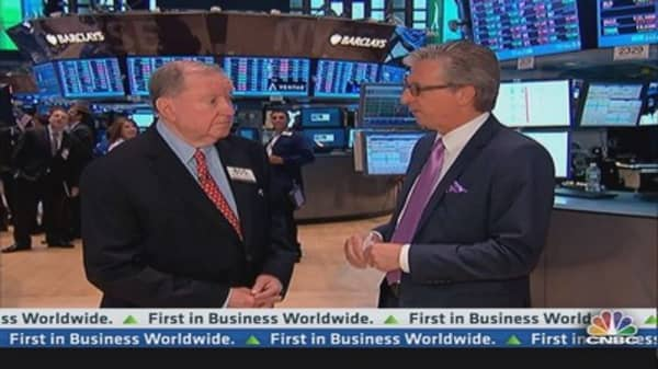90 Seconds with Art Cashin: America the safe haven